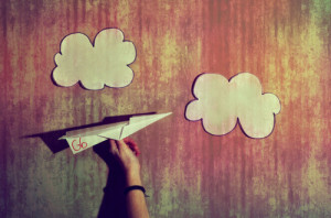 airplane-clouds-cute-desenha-ai-like-a-g6-Favim.com-108588